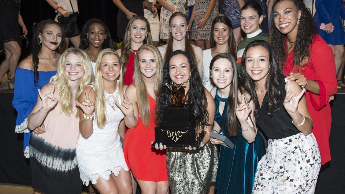 Volleyball, seniors honored at the Academic Awards