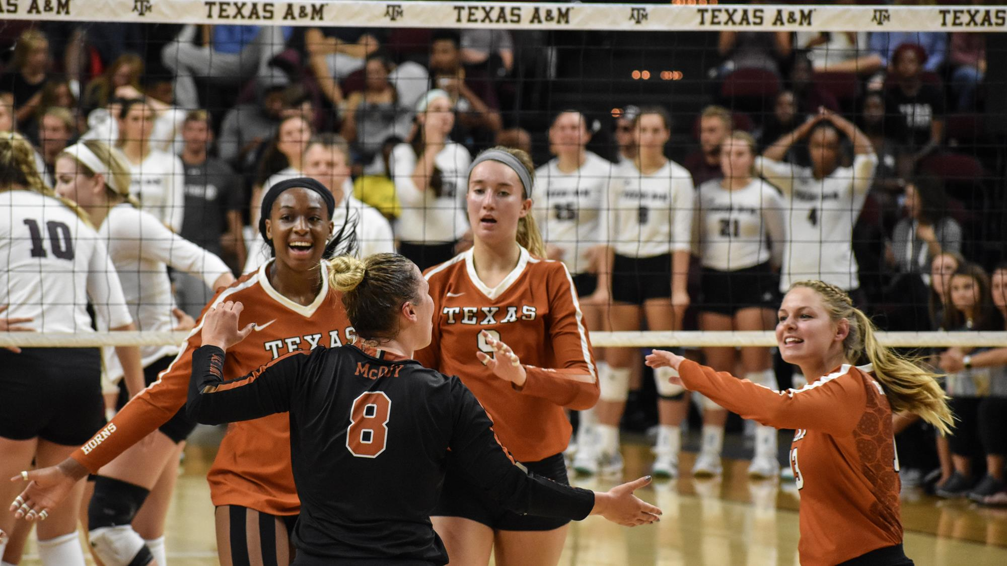 Video No 6 Volleyball Takes Down Texas A M In College Station University Of Texas Athletics