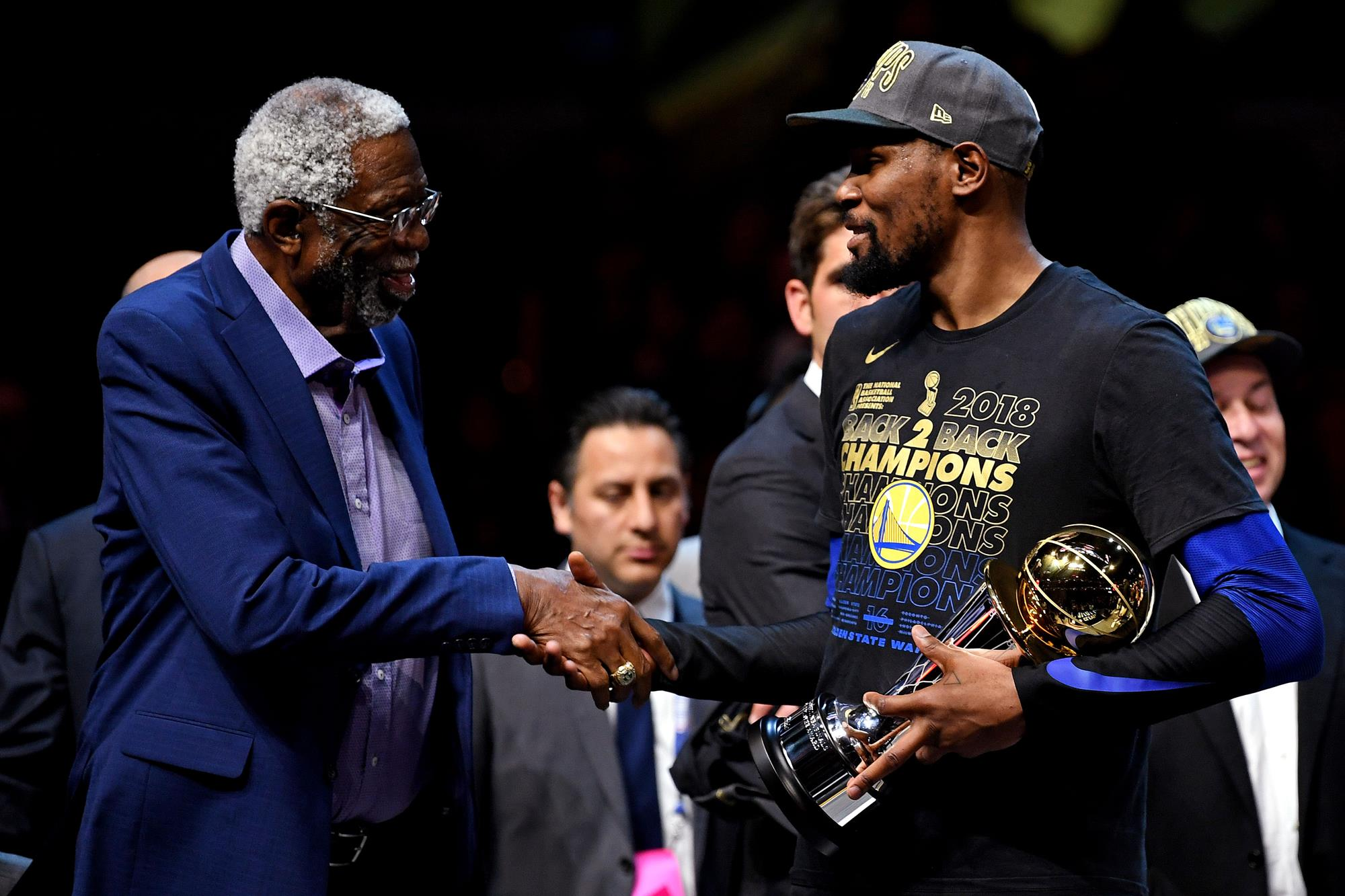 dc61a94e718 Durant leads Golden State Warriors to second-straight NBA ...