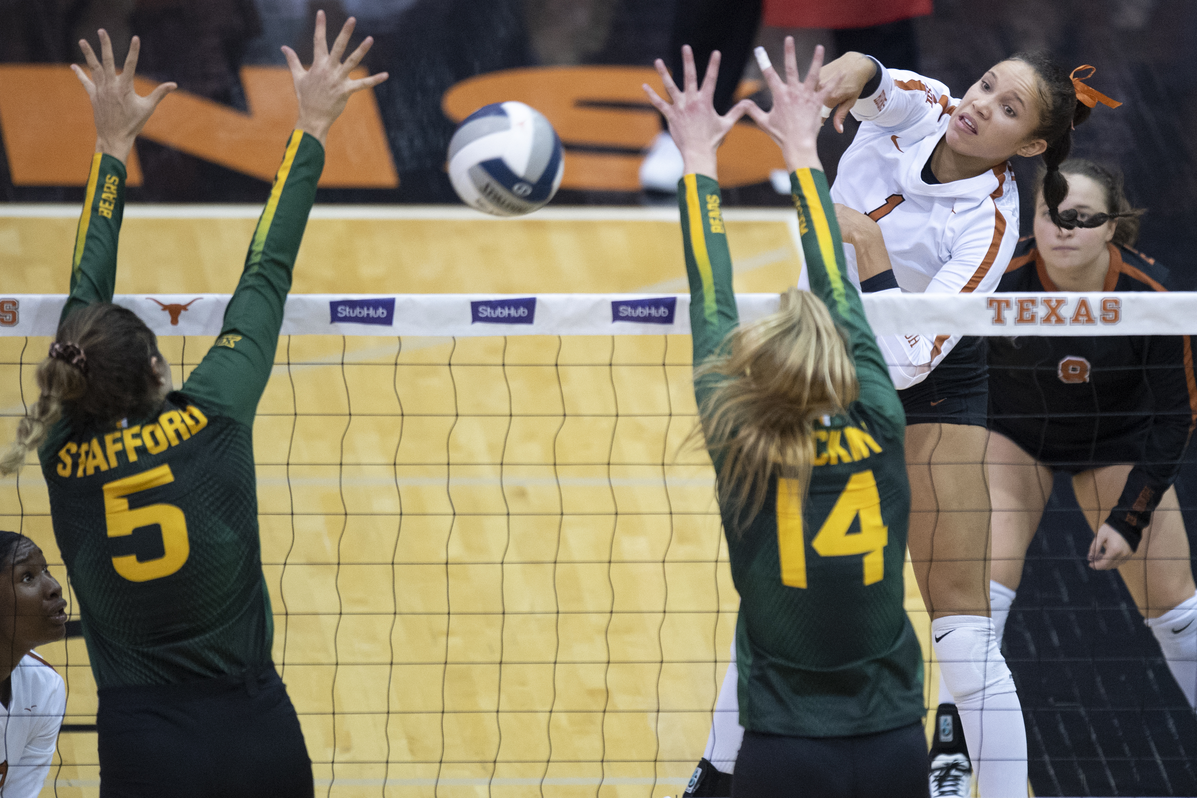 No 4 Volleyball S Micaya White Named Finalist For Senior Class Award University Of Texas Athletics